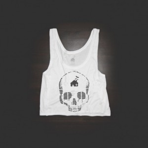 Crop Top Urban Bat Skull Shirt in White