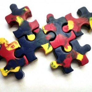 Autism Awareness Puzzle Crayons - set of 8