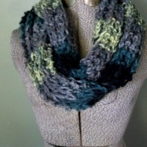 Gray Ombre Infinity Scarf, Chunky Knit Circle Scarf, Fashion Scarf, Knit Loop Scarf, Winter Scarf