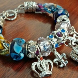 Crown, royal necklace and bracelet set, handmade jewelry, knitted jewelry, fashion jewelry, charm bracelet, unique gift