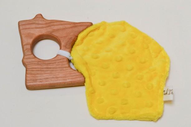 Minnesota Teether with Detachable Crinkle Wisconsin