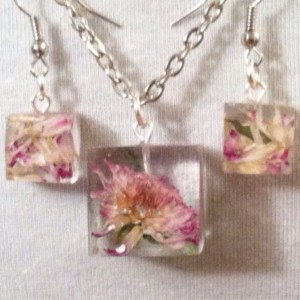 Real Pink flower jewelry. Pink flower jewelry set, dried flower elegant earrings pendant necklace. Natural jewelry, geometric, eco friendly