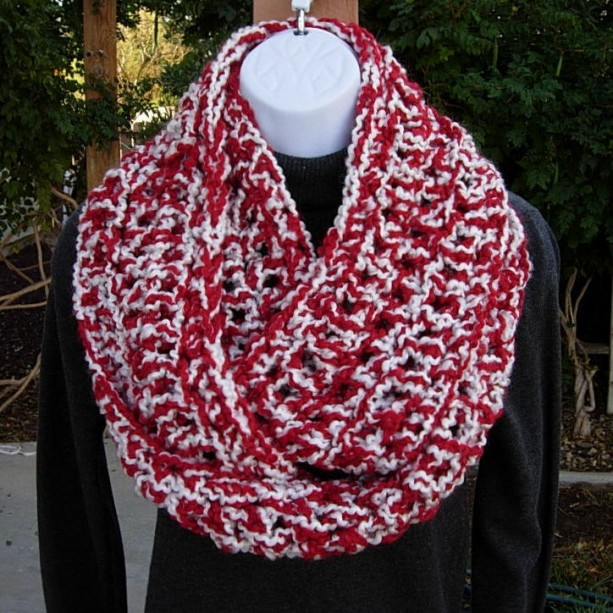 INFINITY SCARF Loop Cowl Red & White Extra Thick Bulky Warm Soft Crochet Knit Winter Circle, Christmas Neck Warmer..Ready to Ship in 3 Days