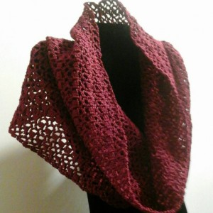 Lacy Infinity Cowl in Burgundy