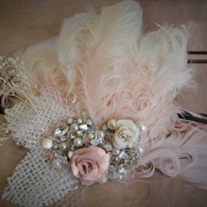 READY TO SHIP, Blush & Champagne bridal hair clip,1920s feather fascinator, Burlap leaf, blush Rose, Ivory, One of a Kind, crystal, pearls