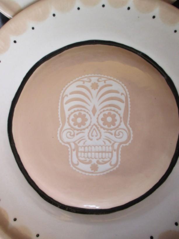 ... Set of 2 Large Dinner Plates Beige Sugar DOD Skull Handmade Tattoo Ceramic Pottery OHIO USA & Set of 2 Large Dinner Plates Beige Sugar DOD Skull Handmade Tatto ...