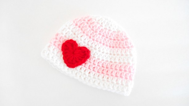 Crochet Baby Beanie for Girls - Crochet Baby Valentine's Day Beanie - Newborn Valentine's Hat - Baby Shower Gift for Girls - Newborn Beanie