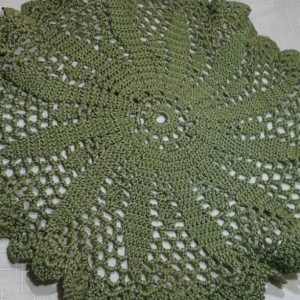 Medium Petal Doily in Olive Green