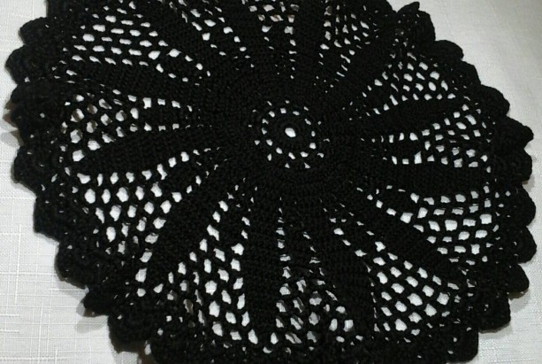 Medium Petal Doily in Black.