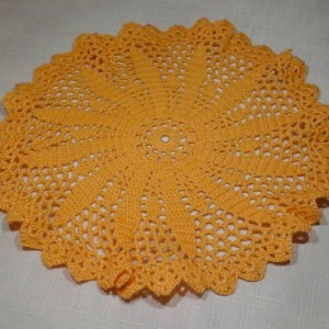 Medium Petal Doily in Goldenrod