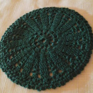 Small Petal Doily in Wintergreen.