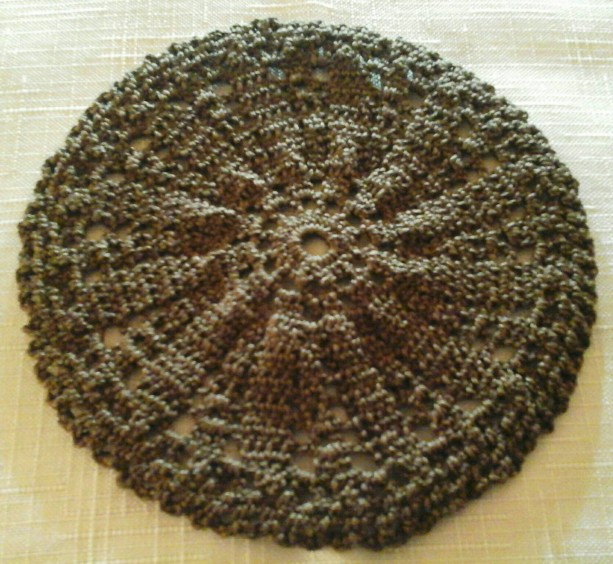 Small Petal Doily in Fudge Brown