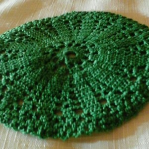 Small Petal Doily in Myrtle Green.