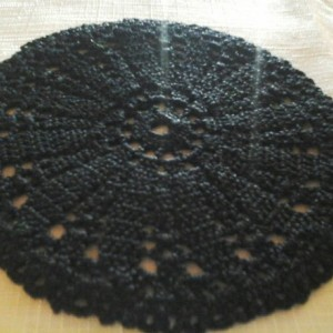 Small Petal Doily in Black