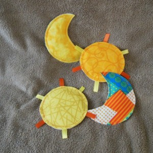 Crinkle Toy - Sun & Moon - Set of 2