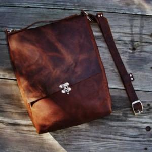 Large Leather Cross Body Bag Hand Stitched. Leather Messenger Satchel Bag  Bret Cali Bag