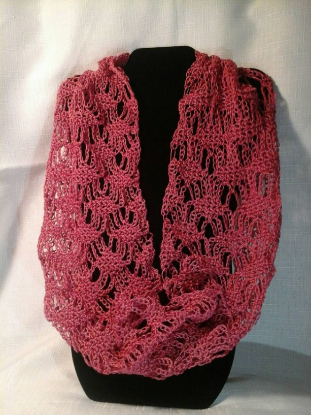 Lacey Lattice Cowl in Rose