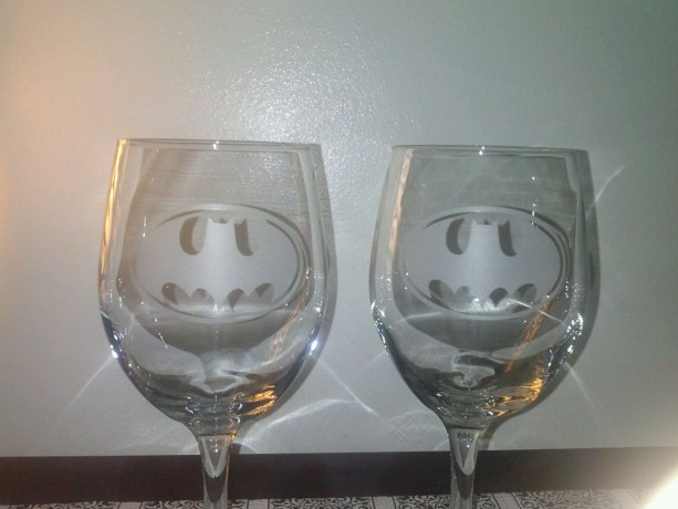 Custom Batman Sandblasted Wine Glass -  Etched Glass - Tumblers-  Wine Glass - Batman Bar Glass - Gift for him - Gift for her