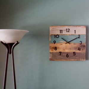 Rustic Beach House Decor. Coastal Theme Reclaimed Wood Clock.  Soft Teal. Reclaimed Wood Clock.  Gift idea. Modern meets Rustic.