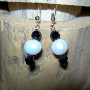 Classic Audrey Pearl Earrings