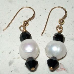 Classic Audrey Pearl Earrings