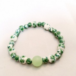 Green beaded stretch bracelet. Green Irish bracelet. Irish bracelet.  Green beaded bracelet.