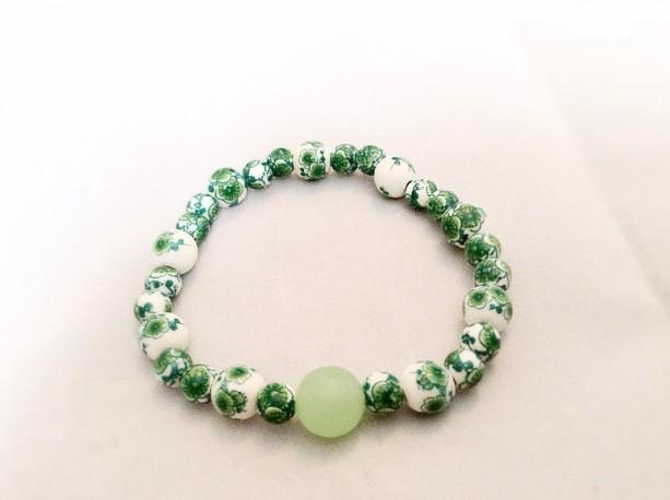 Green beaded stretch bracelet. Green Irish bracelet. Irish bracelet.  Green beaded bracelet.