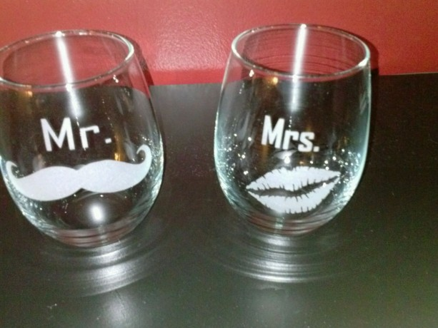 Custom Sandblasted Wine Glass -  Mr & Mrs - Mustache and Kiss Etched Glass - Tumblers - Wine Glass - Bar Glass - Gift for them