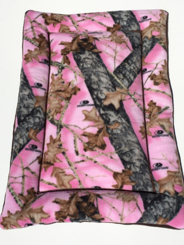 Pink mossy oak dog bed dog crate pads puppy mat large for Pink camo decorations