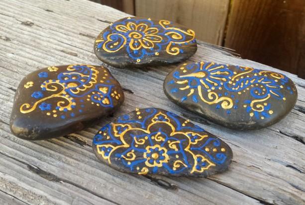 Henna Style Garden - Meditation - Paperweight - Decorative Rocks