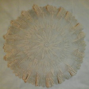 Large Petal Doily in Ecru