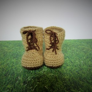 Handmade crochet tan combat boots, crochet army boots, crochet boots, military boots, soldier boots, photo prop, baby announcement