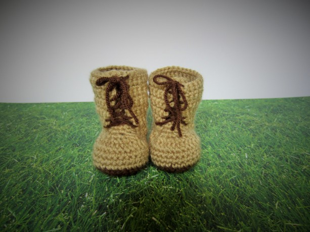 Handmade crochet tan combat boots, crochet army boots, crochet boots, military boots, soldier boots, photo prop, baby announcement