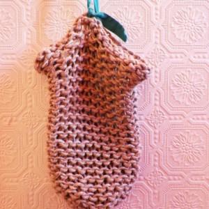 A Loom-Knitted Hemp Shoulder Bag