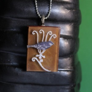 Bird pendant jewelry / Bird on flower necklace / Artisan indie necklace / Boho style flower necklace / quirky jewellery / shrink plastic art