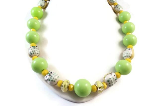 Kids chunky necklace Baby chunky necklace Girls chunky necklace Baby photo prop Bubble gum necklace Owl chunky necklace Green Yellow