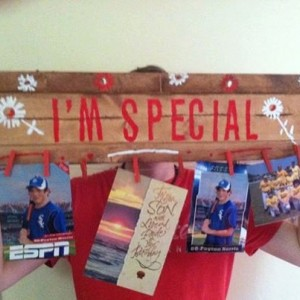 "Display Board Handmade ""I'm Special"" Art, Pictures, Scraves, Delicates"