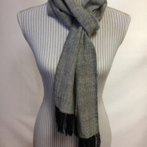 Cashmere & Tencel Herringbone handwoven scarf: Black/Natural