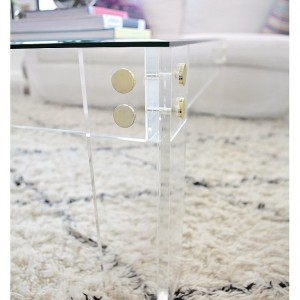 Acrylic/Lucite Cocktail Table (Acrylic Furniture)