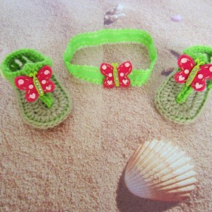 Crochet baby sandals and headband, crochet sandals, baby sandals, baby headband, green crochet baby sandals, crochet flip flops, baby shoes
