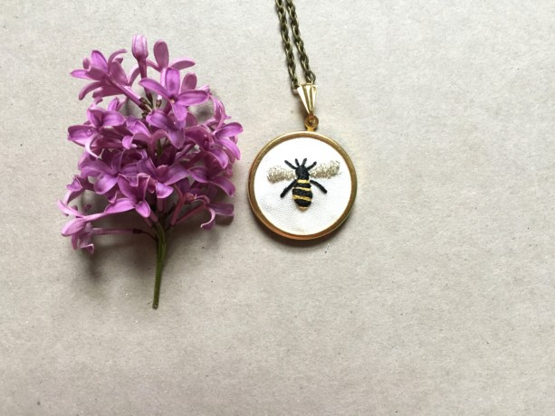locket heart bee bumblebee posy necklace mix