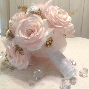 Blush paper roses, lace, pearls and gold baby's breath Bridal bouquet, Made in colors of your choice, Shabby chic bouquet, Throw bouquet