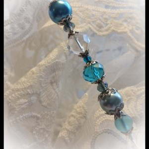"""Summer Sea"" Vintage style Ladies 6 inch Caribbean Blue Crystal and Pearl Hat Stick Pin"