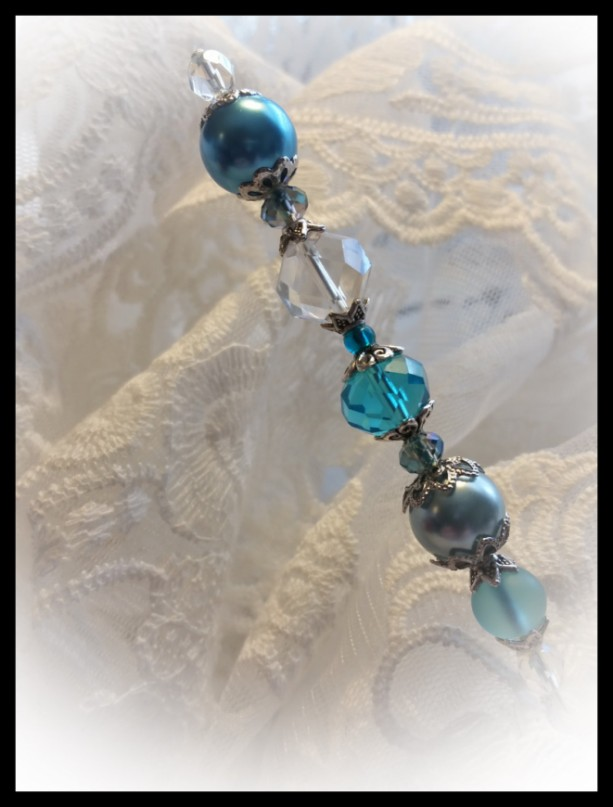 """""""Summer Sea"""" Vintage style Ladies 6 inch Caribbean Blue Crystal and Pearl Hat Stick Pin"""