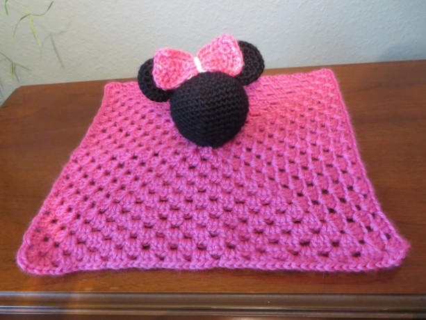 Minnie Mouse Snuggle Buddy | aftcra