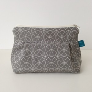 Makeup Bag in Commas Slate