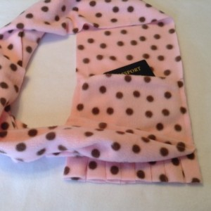 Fleece scarf with hidden pocket