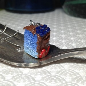 Miniature Clay Cake with Strawberries