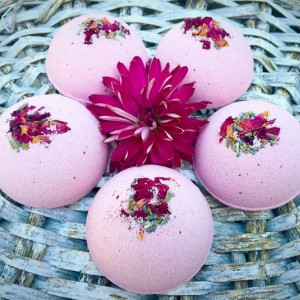 Bath Bomb, 4 ounce Herbal Bath Fizzies, Lavender and Rose Bath Fizzies, Lavender and Rose Bath Bombs, Non GMO, Herbal Bath Bomb