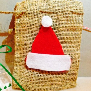 4- Burlap sacks with Santa's hat